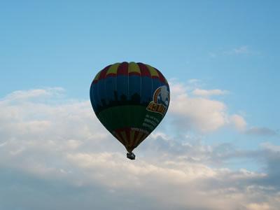 De ballon in de lucht